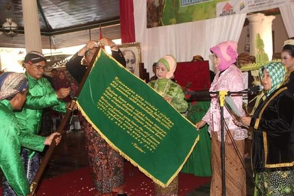 Kata Mutiara Kartini Dikirab Ribuan Warga Rembang Pemerintah